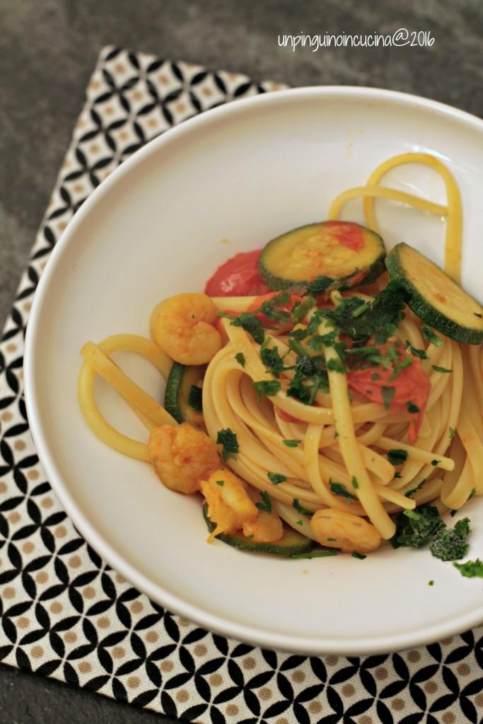 linguine-zucchine-zafferano-e-gamberi