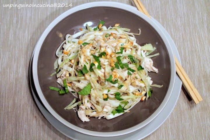 Noodles con pollo e tahini