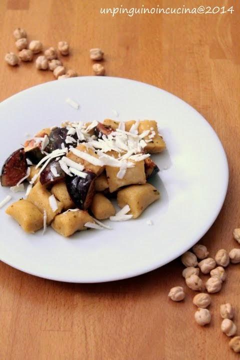 Gnocchi di ceci con fichi, olive taggiasche e ricotta stagionata