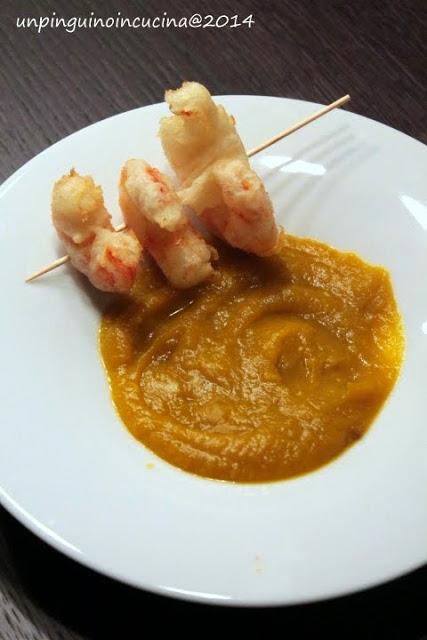 Vellutata di zucca con gamberi in tempura allo zenzero