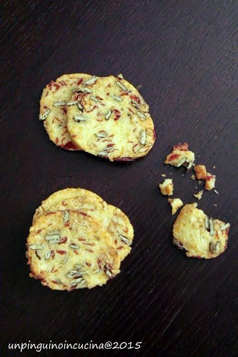 Frollini salati con speck e semi di zucca