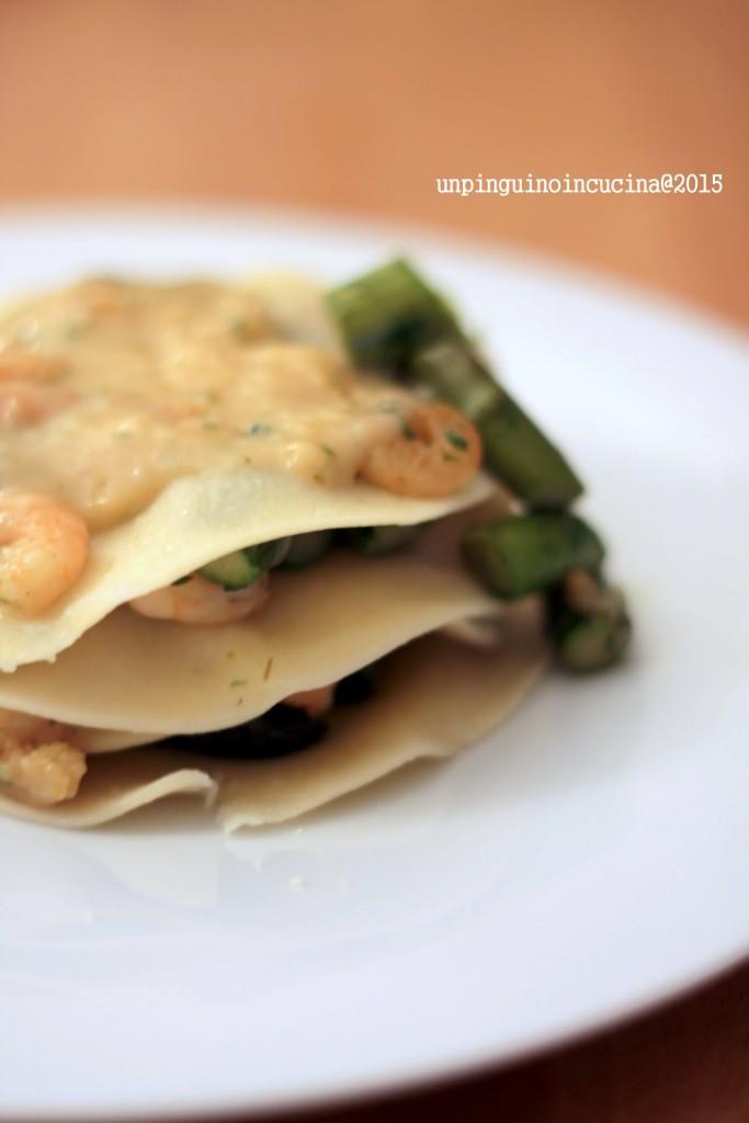 lasagnette-aperte-asparagi-gamberi-e-besciamella-al-basilico