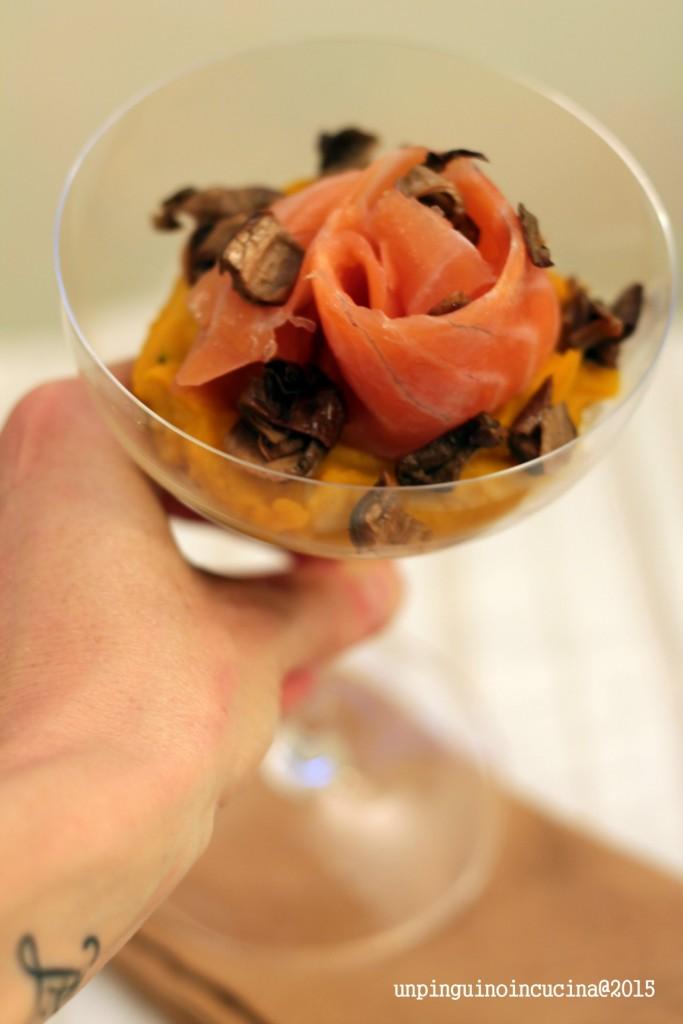 crema-di-zucca-con-salmone-affumicato-e-porcini