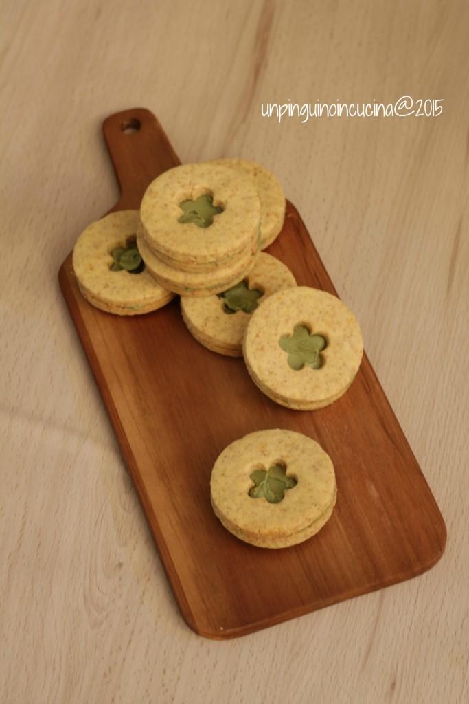 frollini-al-burro-salato-con-crema-di-pistacchi
