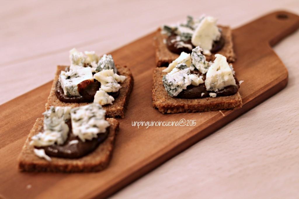canape-gorgonzola-crema-di-prugne-secche