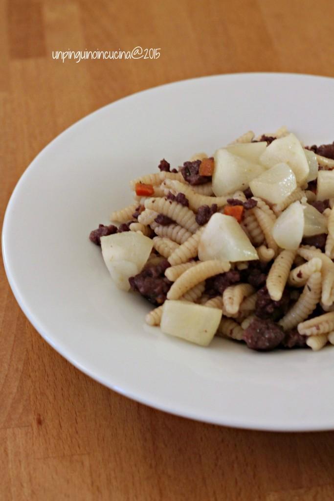 gnocchetti-sardi-con-ragu-di-salsiccia-e-pere