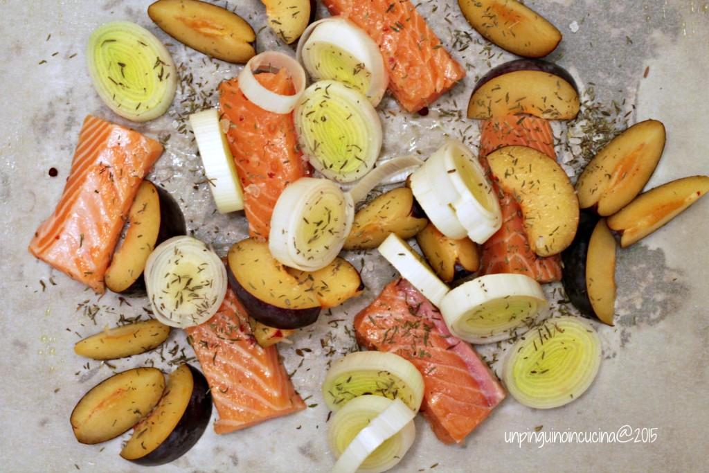 salmone-con-porri-e-prugne