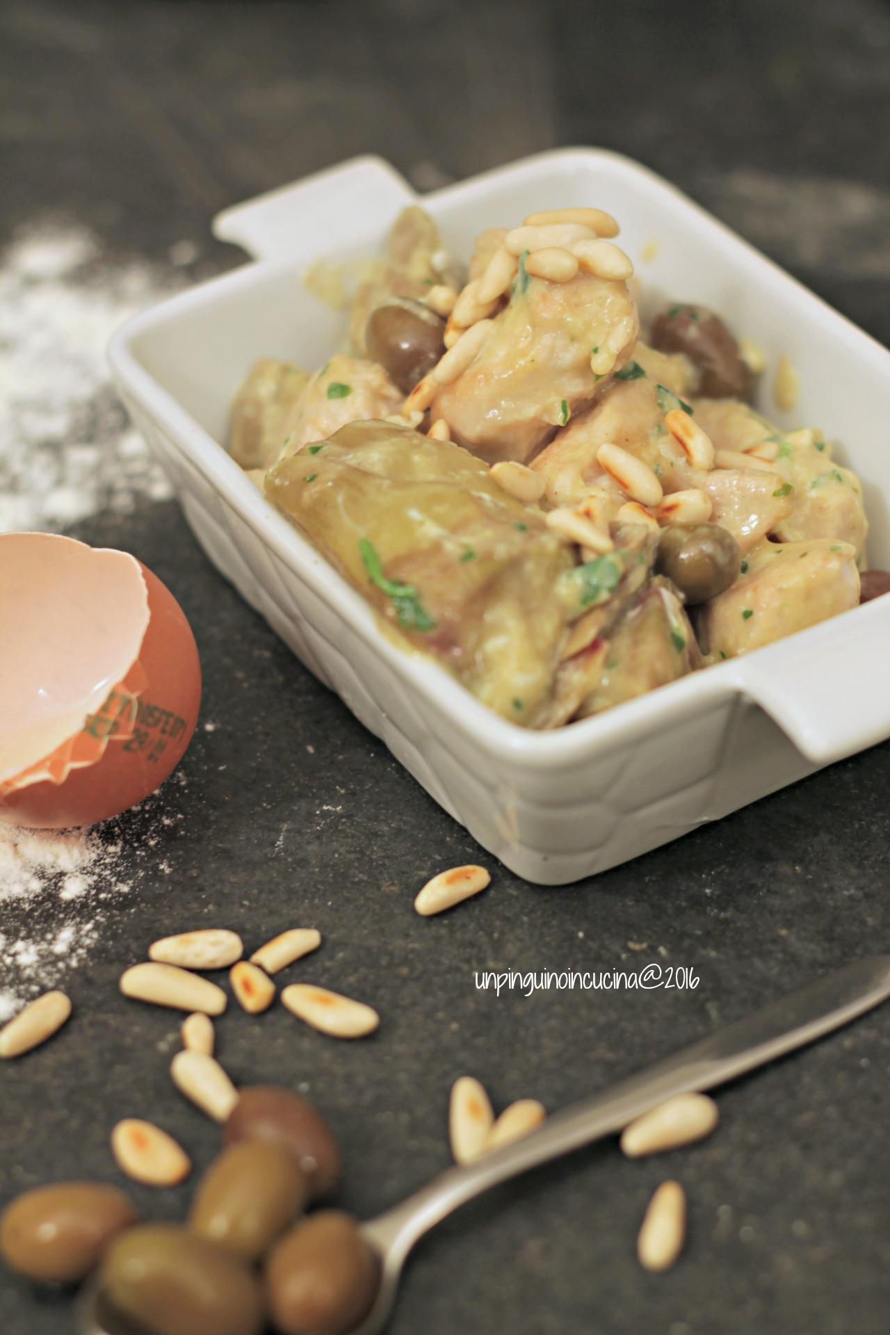 tacchino-in-fricassea-con-carciofi-olive-e-pinoli