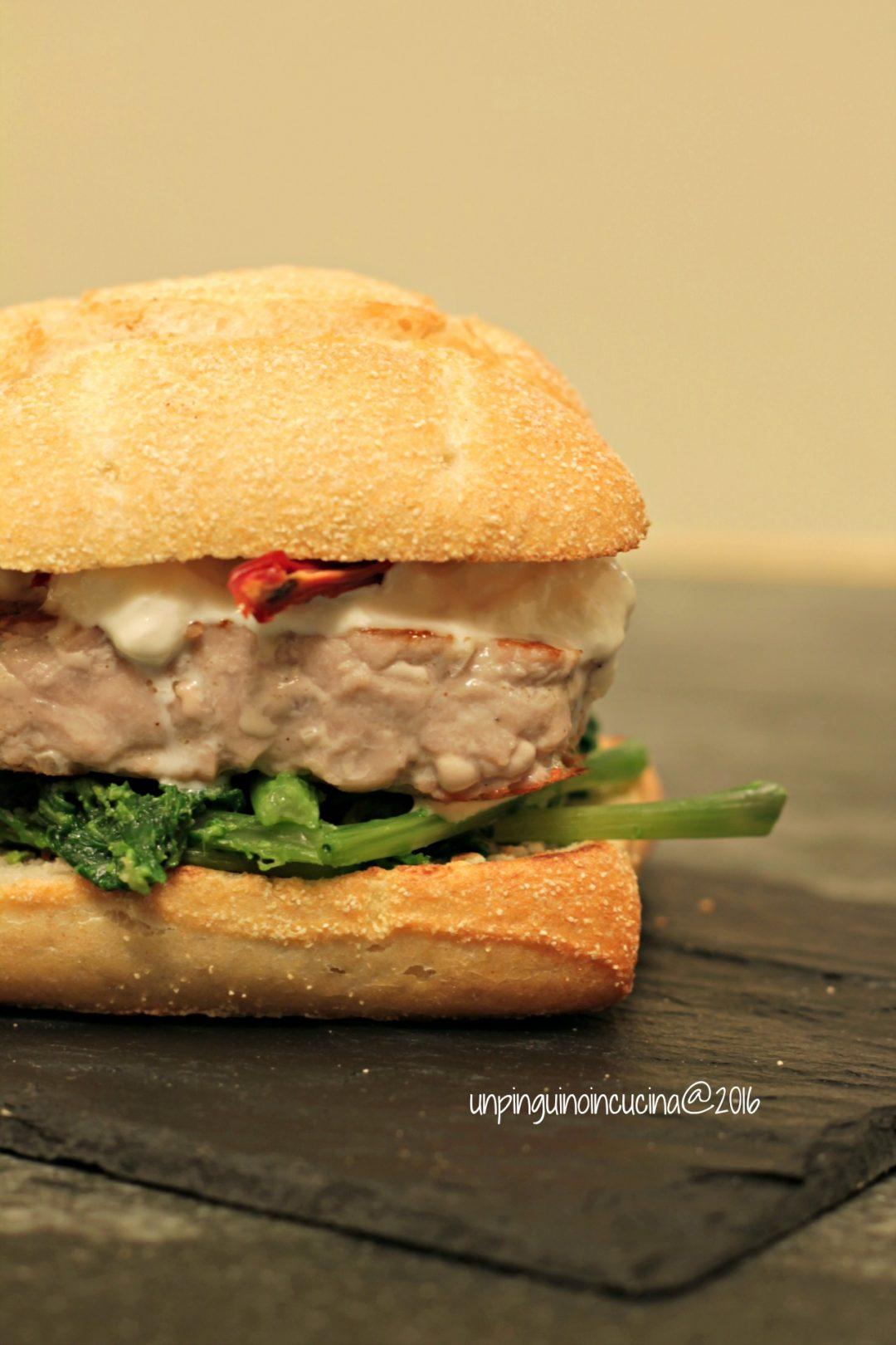 burger-di-tonno-con-cime-di-rapa-e-stracciatella