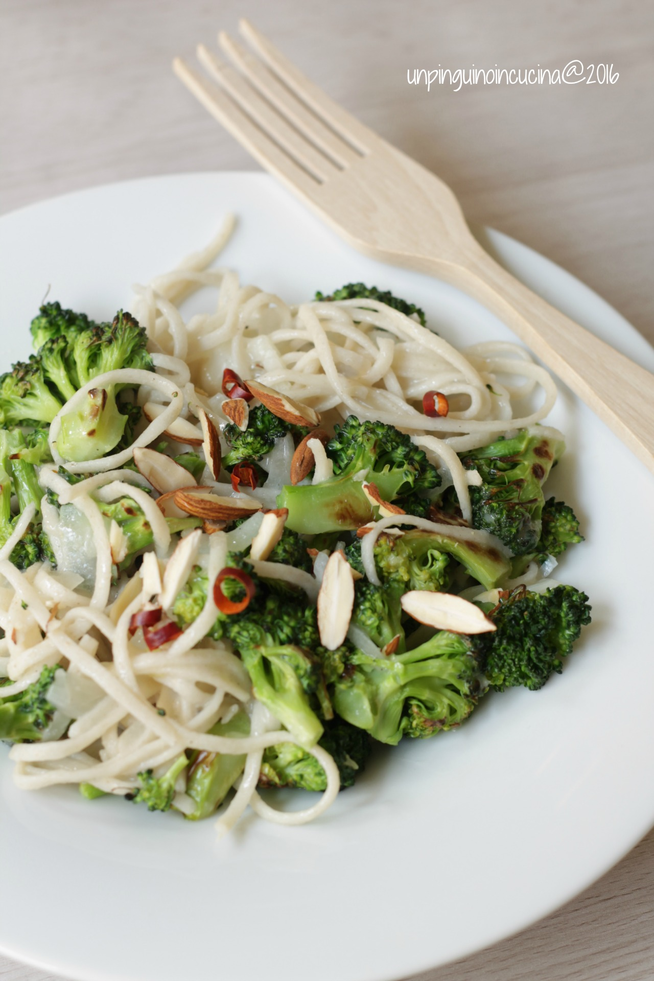 noodles-di-riso-con-broccoli-e-crema-al-limone