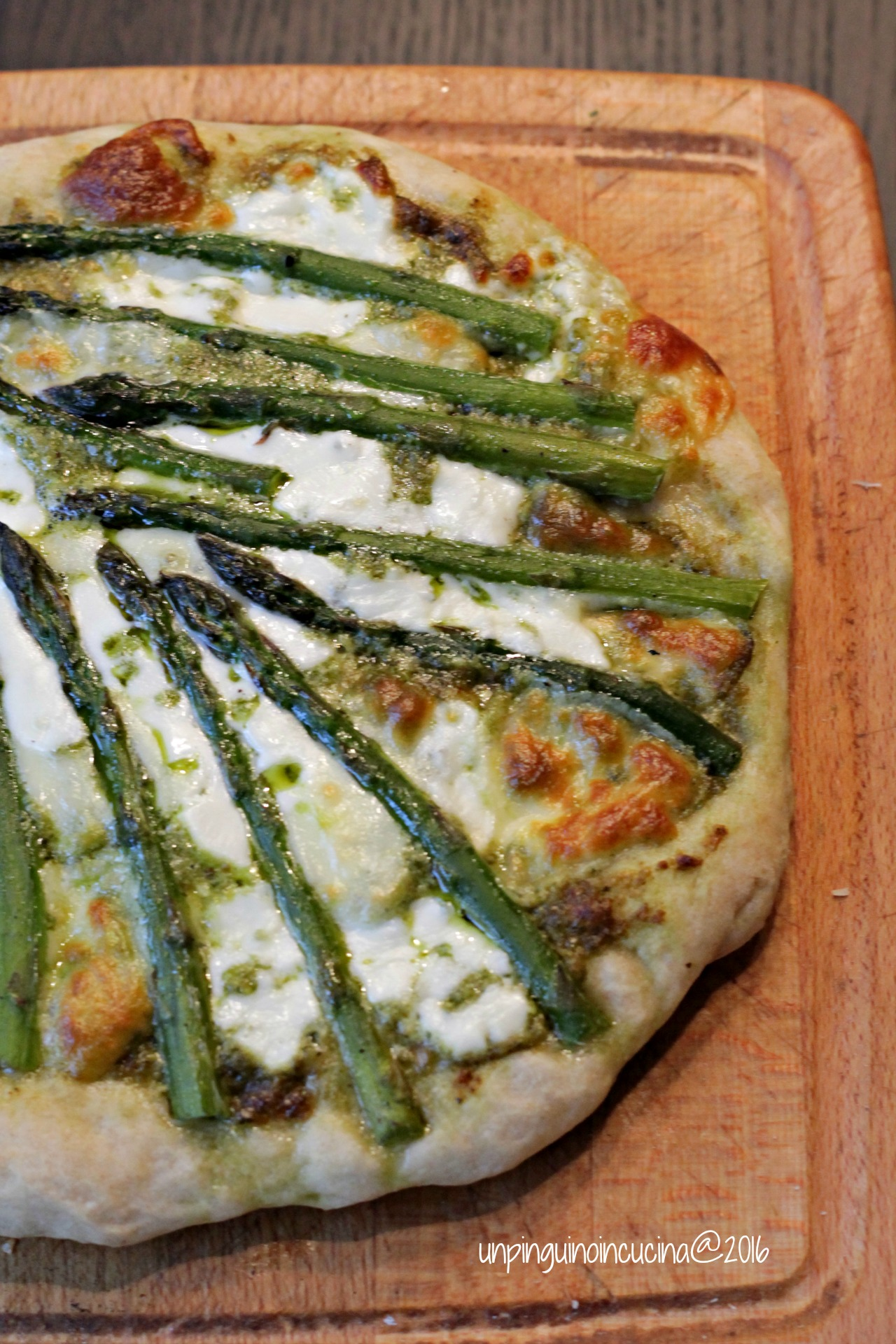 pizza-asparagi-pesto-stracchino