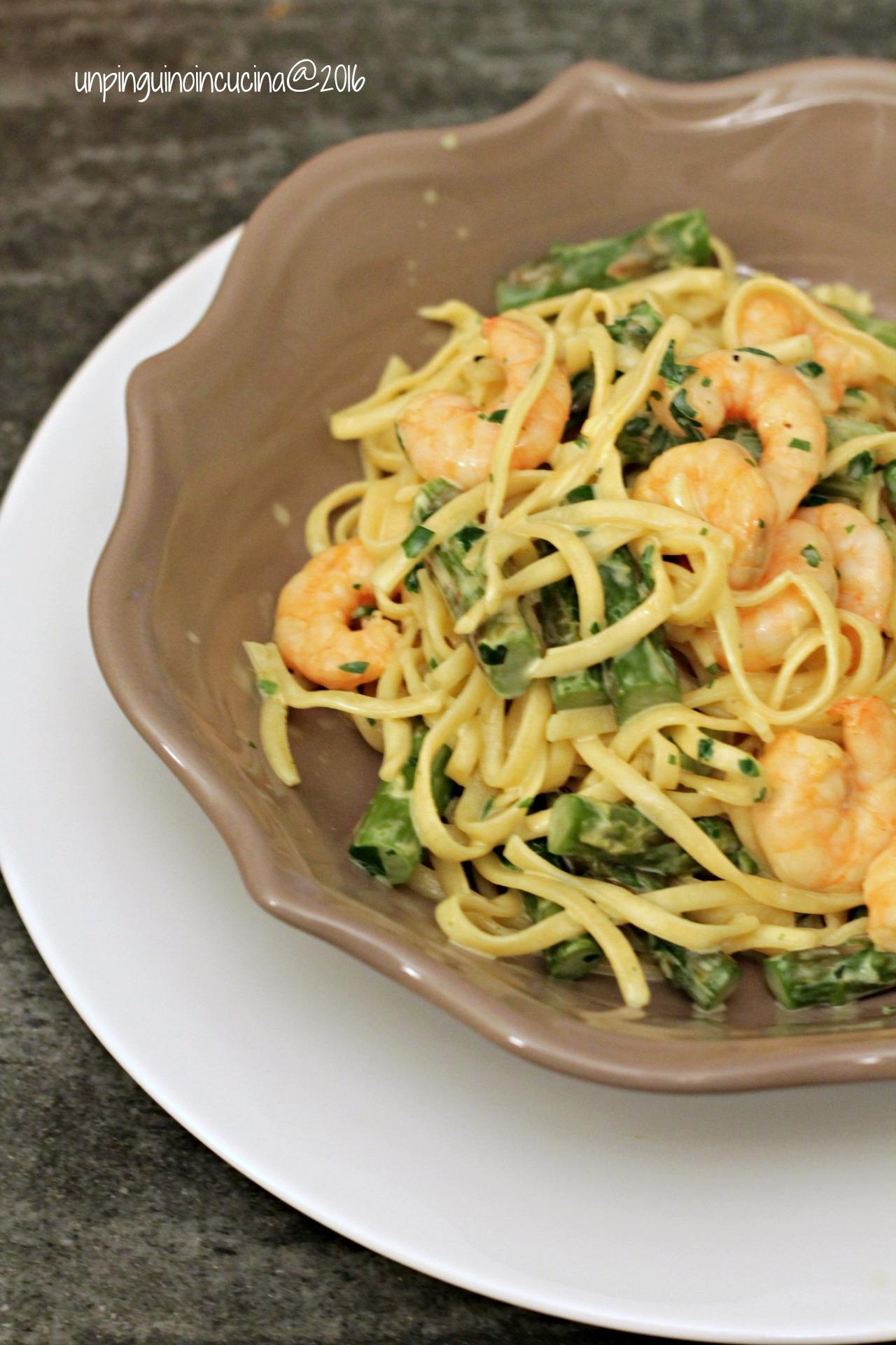 tagliolini-gamberi-asparagi-e-panna-al-curry