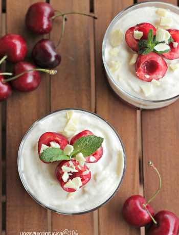 crema-di-yogurt-con-ciliegie-e-menta