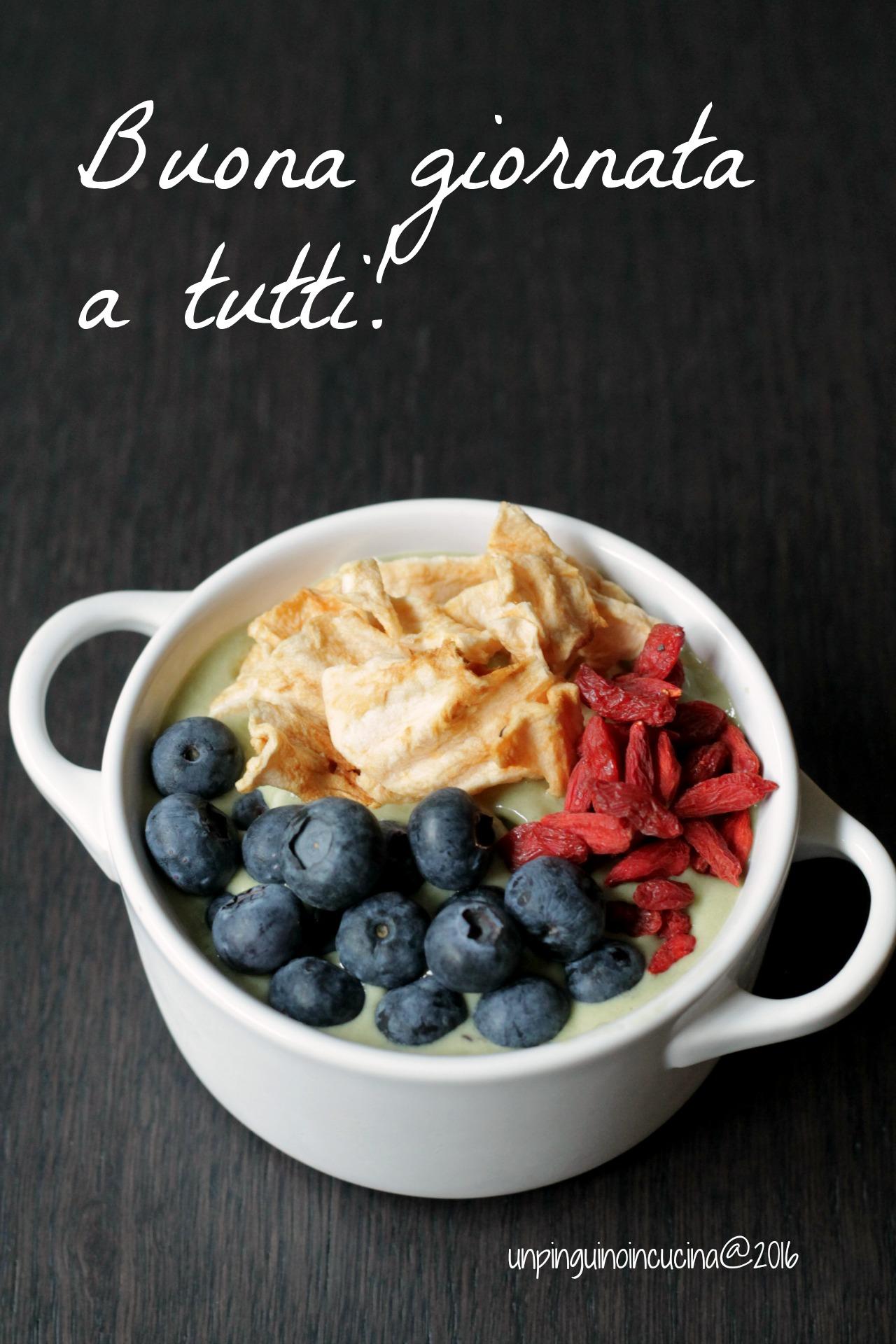 matcha-smoothie-bowl
