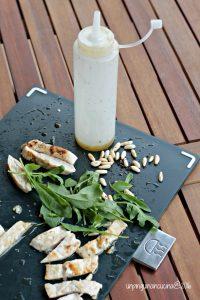 insalata-di-pollo-pesche-rucola-e-vinaigrette-al-miele