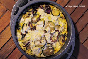 frittata-zucchine-con-cipolle-caramellate-e-feta