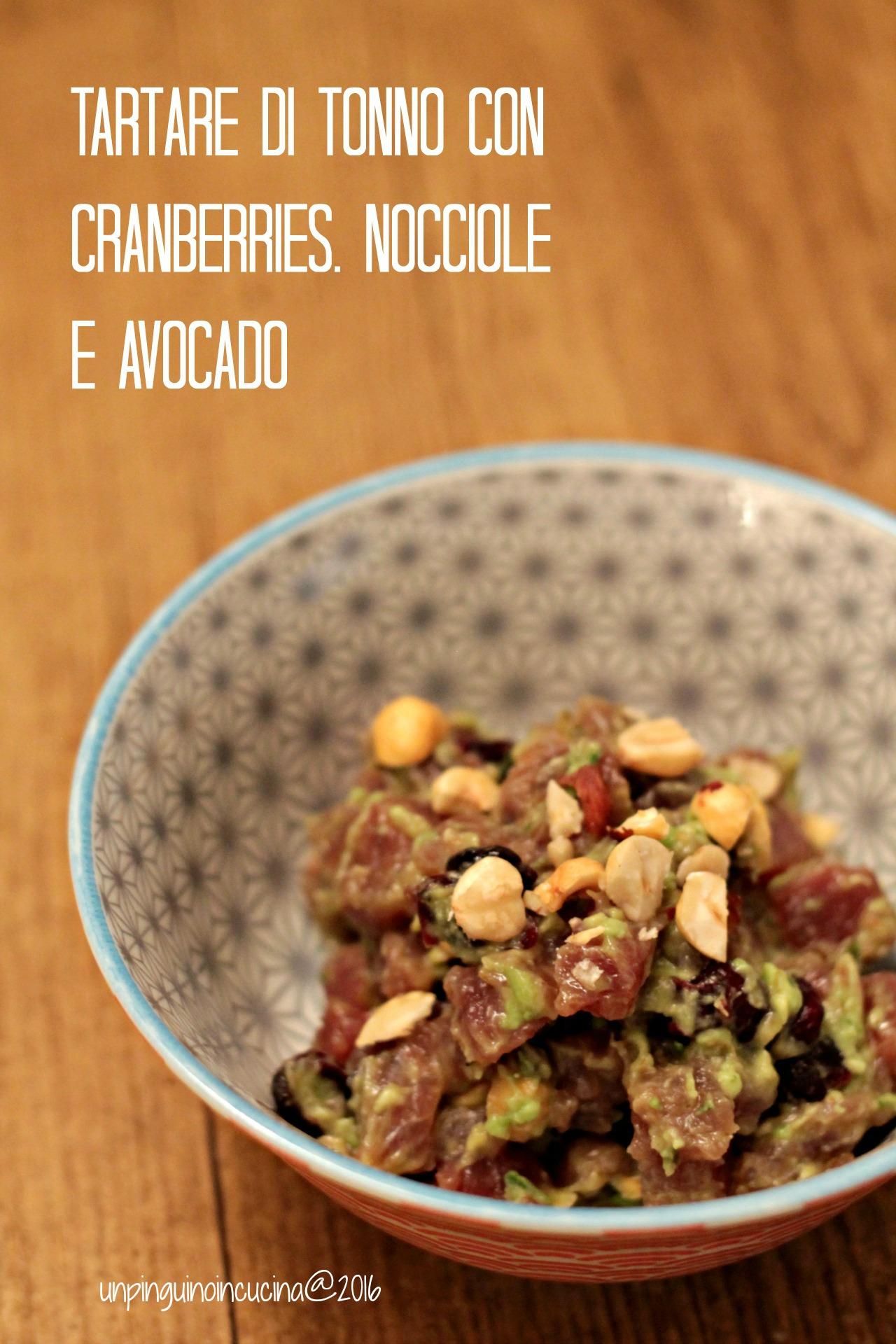 tartare-di-tonno-con-cranberries-nocciole-e-avocado