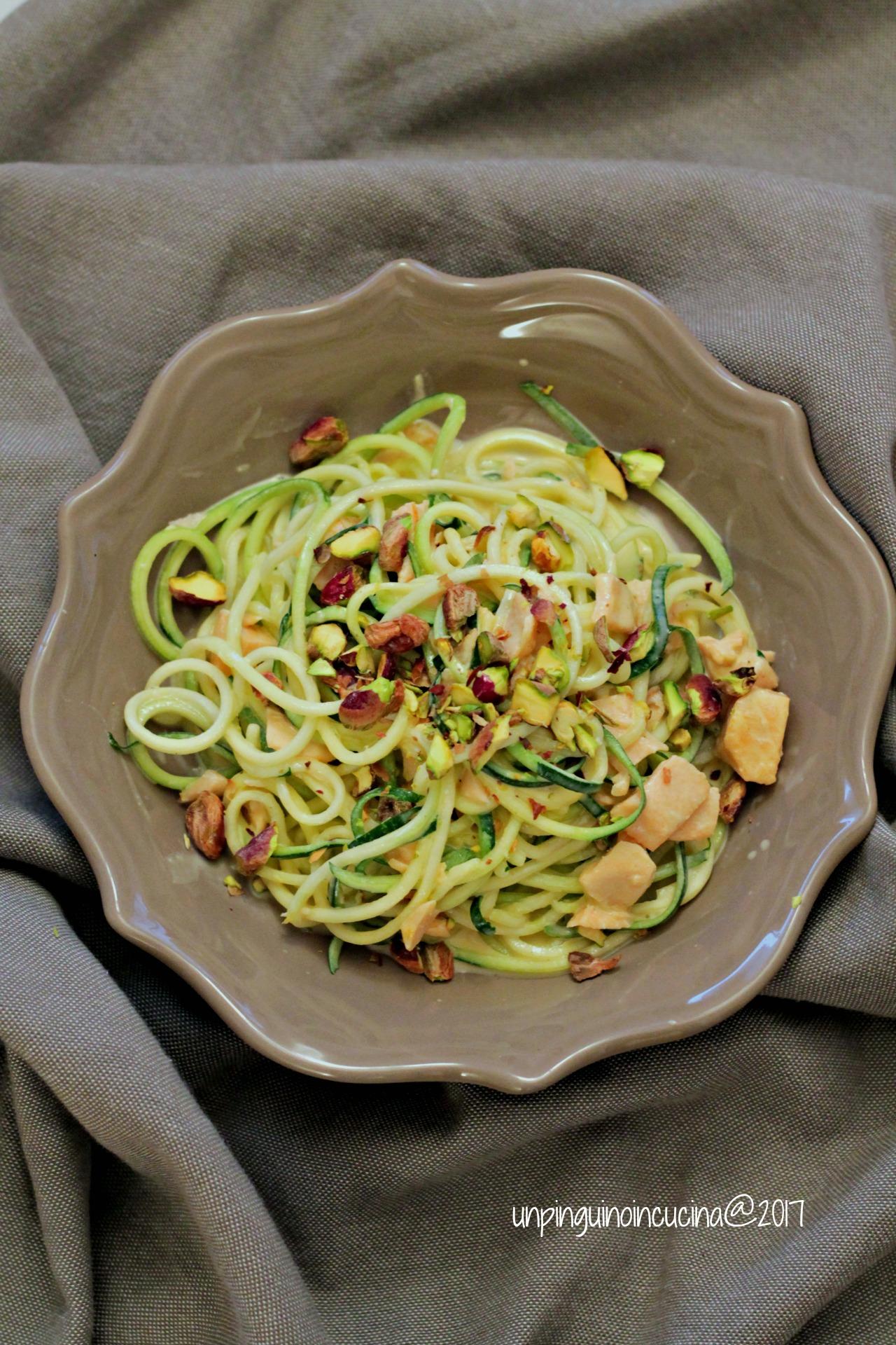 zoodles-salmone-e-pistacchi