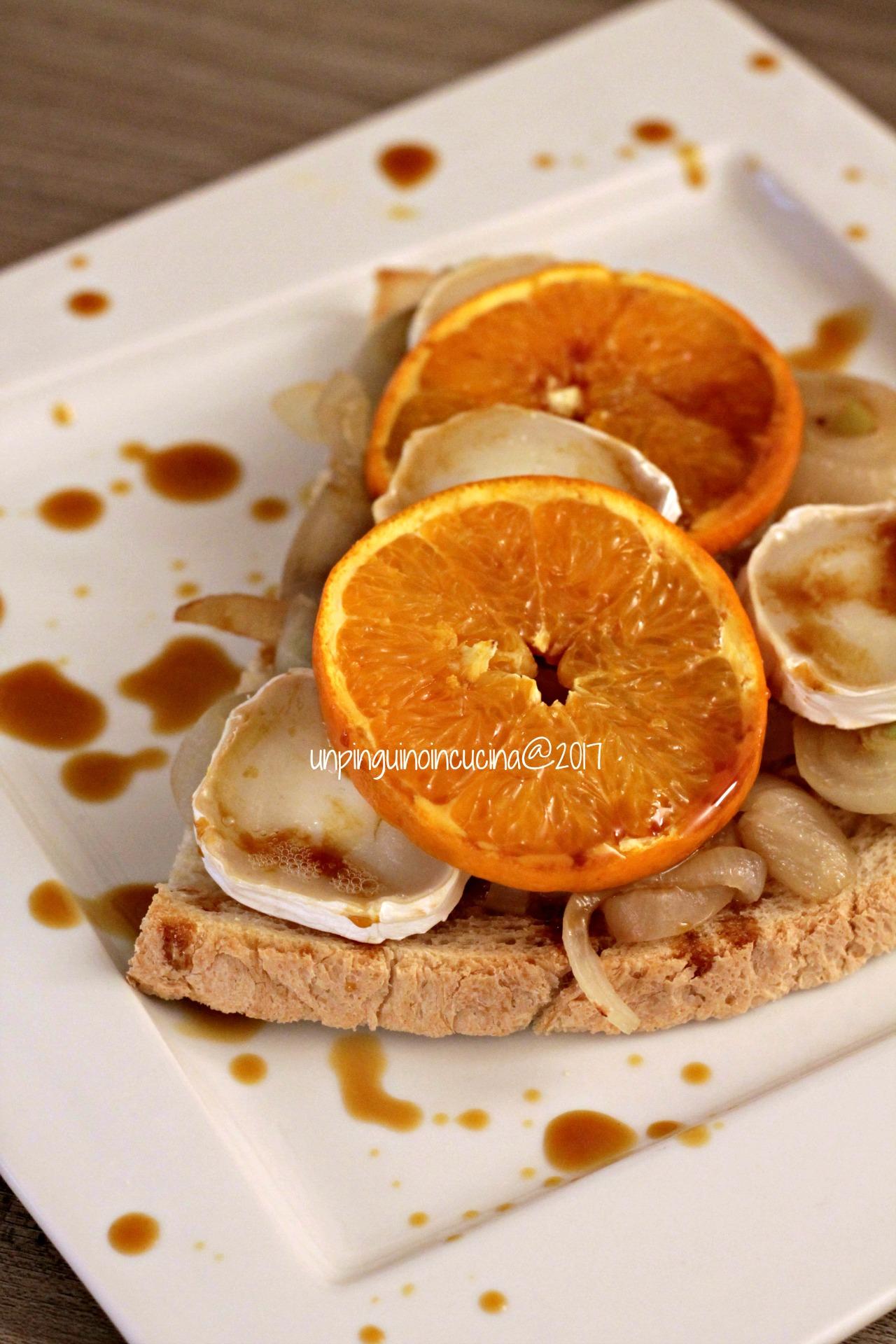 crostone-cipolle-arance-chèvre-e-riduzione-di-Braulio