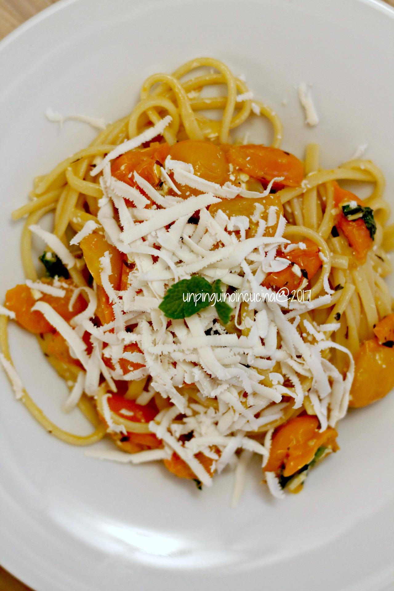 linguine-pomodorini-gialli-acciughe-e-ricotta-salata