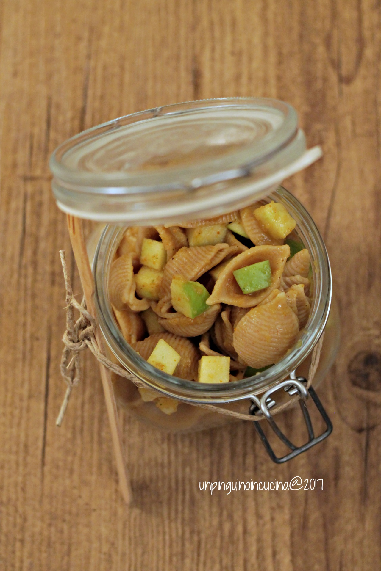 pasta-fredda-al-curry-con-mela-verde