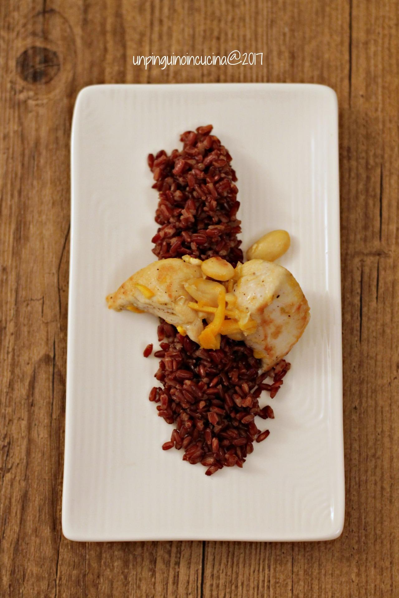 pollo-arancia-e-mandorle-con-riso-rosso