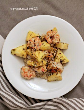 padellata-gamberi-e-ananas-con-riso-al-cocco