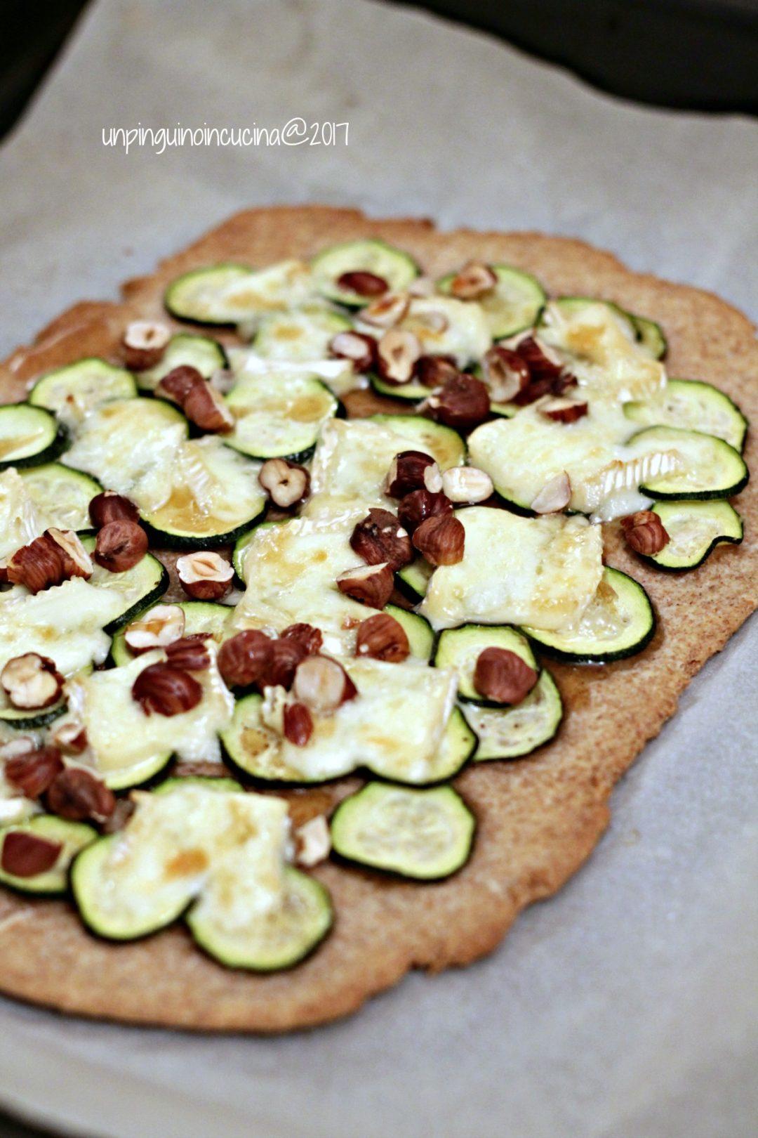 schiacciata-rustica-con-zucchine-brie-e-nocciole