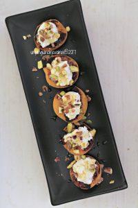 albicocche-grigliate-caprino-e-pistacchi