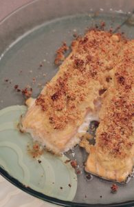 salmone-in-crosta-di-hummus