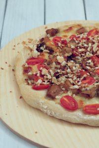 pizza-porcini-pomodorini-e-briciole-al-tartufo