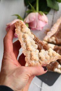 crostata-frolla-alle-mandorle-e-marmellata-di-pesche-bianche