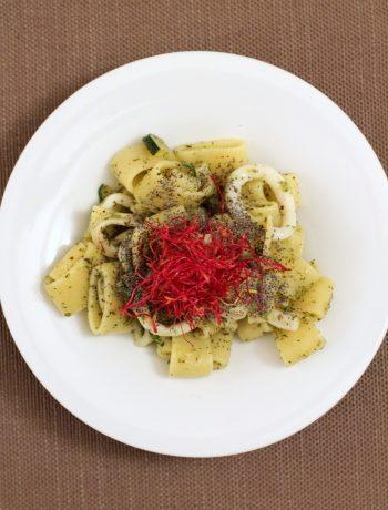 calamarata-con-calamari-e-pesto-di-zucchine