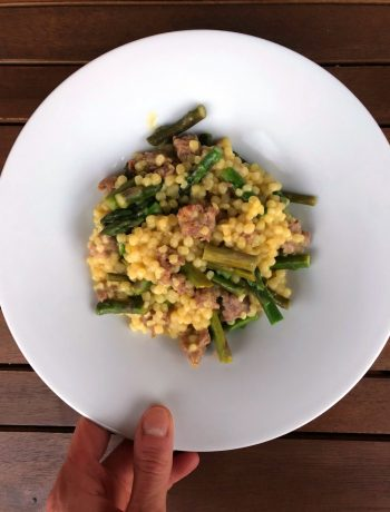fregola-salsiccia-asparagi-e-zafferano