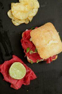panino-carpaccio-ricotta-di-pecora-e-lime