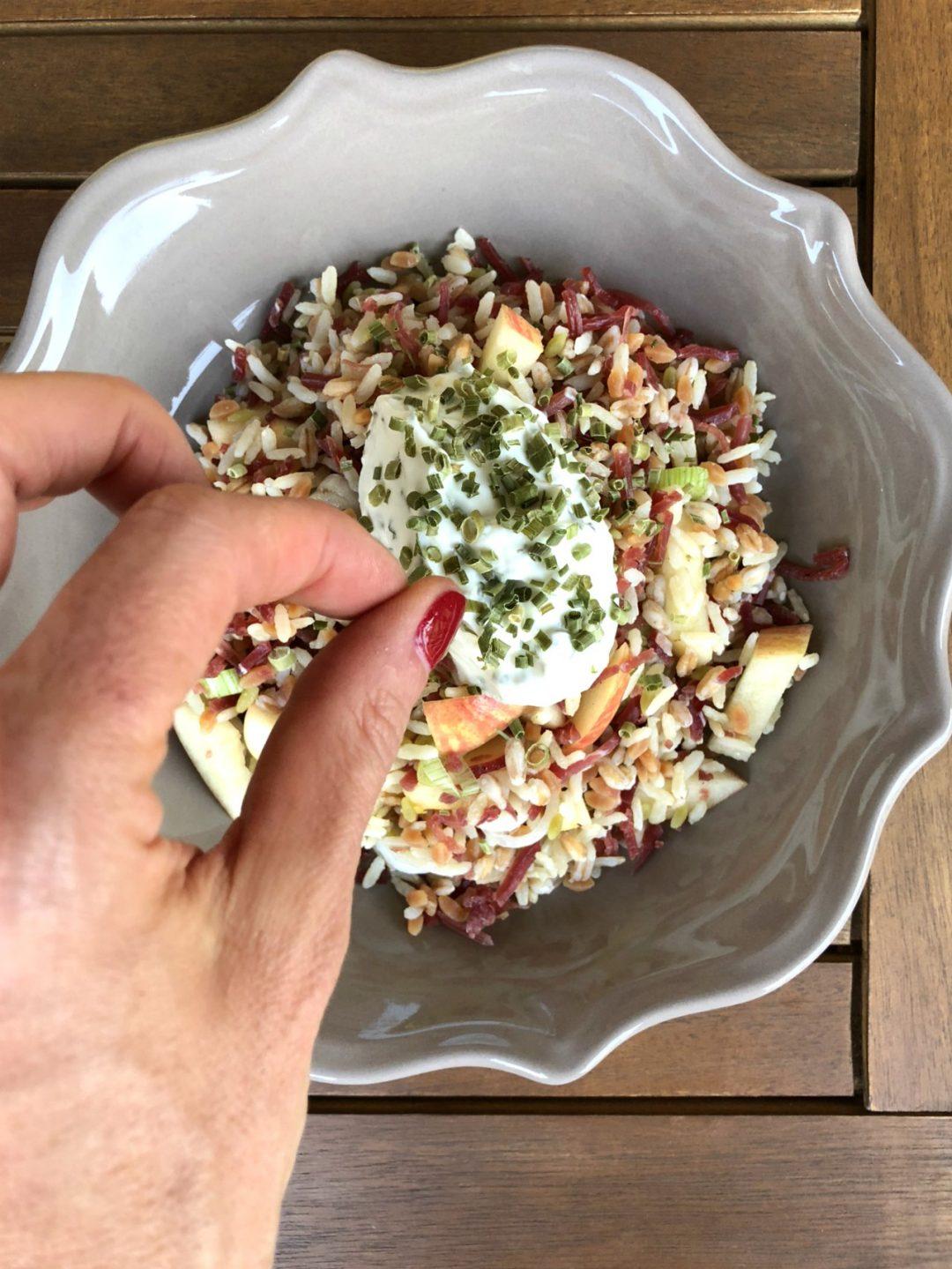 insalata-di-cereali-con-mela Fuji-bresaola-e-Skyr