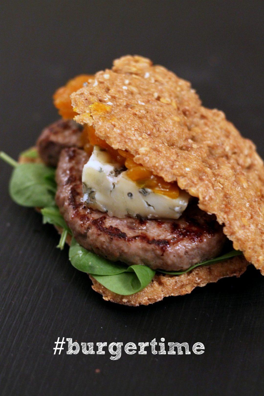 panino-rustico-burger-gorgonzola-piccante-e-mostarda-di-zucca-e-zenzero