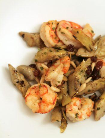 insalata-gamberi-carciofi-con-uvetta-e-pinoli-e-salsa-teriyaki