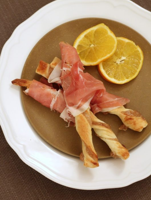 grissini-ai-marroni-con-crudo