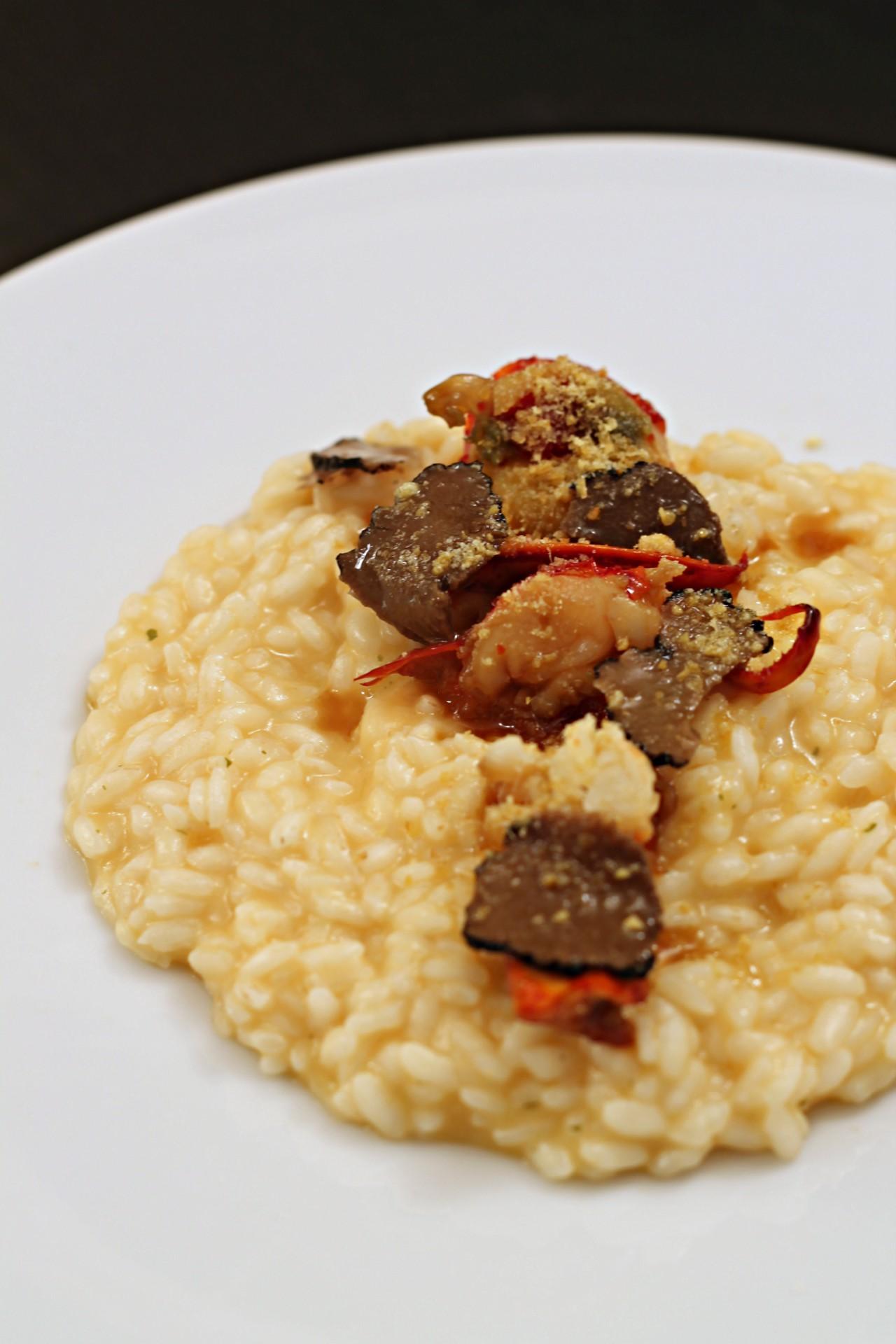 risotto-al-limone-con-astice-e-tartufo