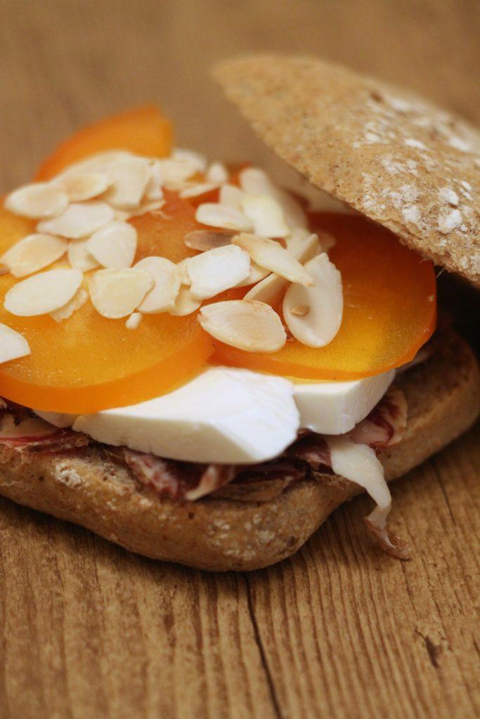 panino-coppa-primosale-caco-e-mandorle