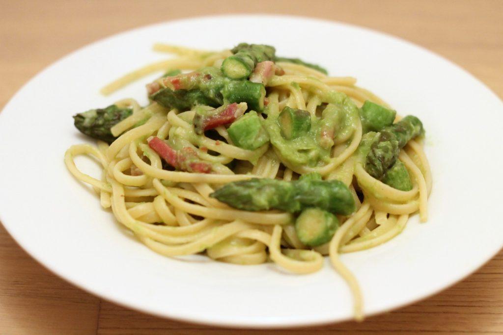 linguine-con-asparagi-e-speck