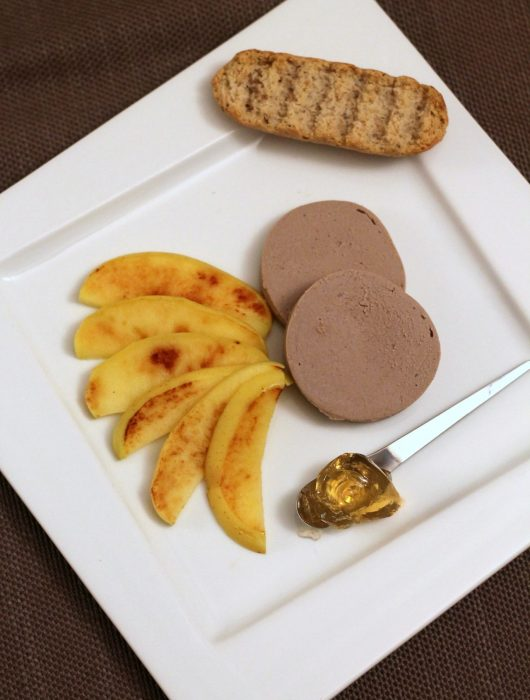 foie-gras-con-mela-cotta-e-gelatina-al-sauternes