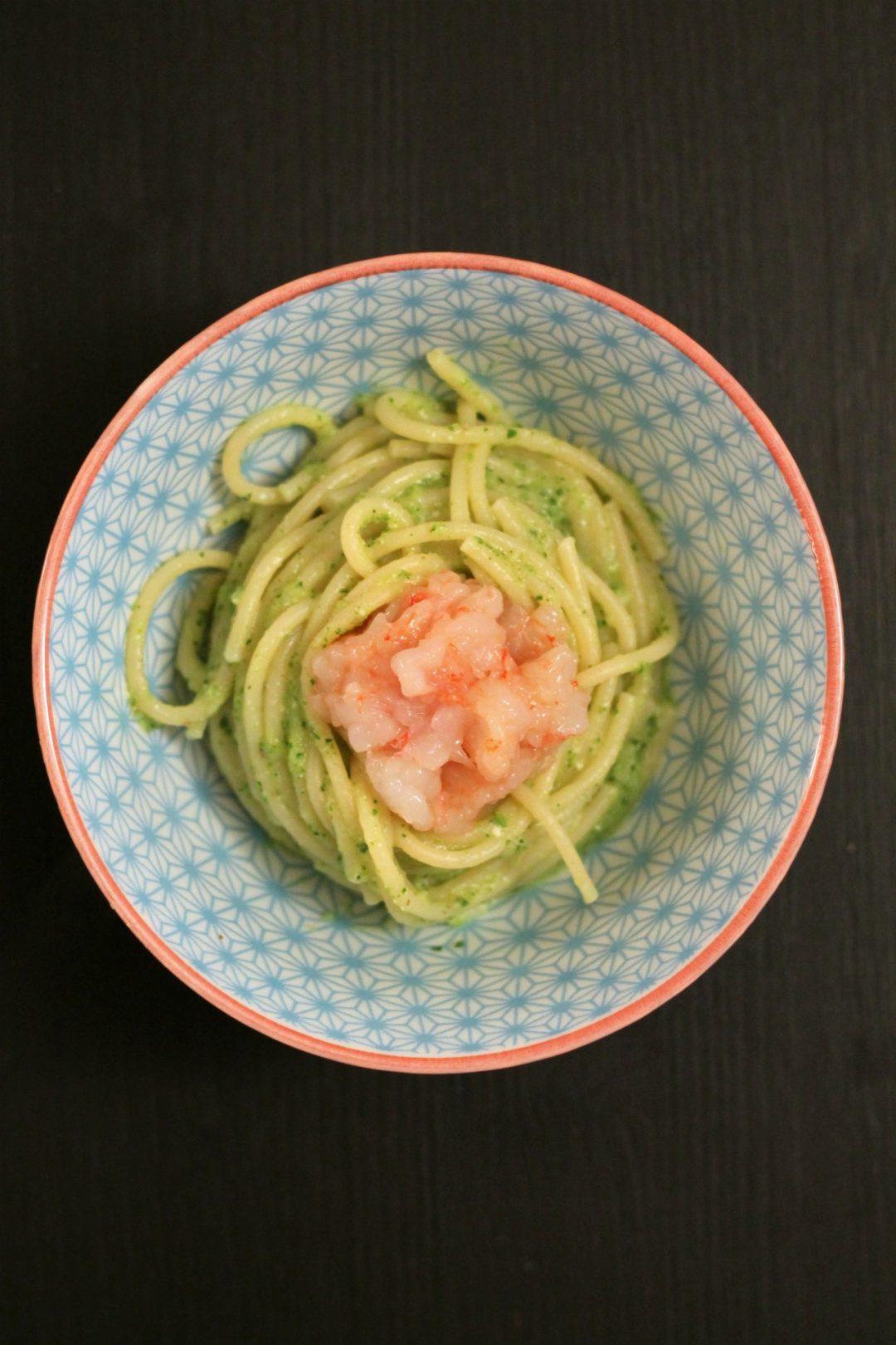 spaghetti-alla-crema-di-zucchine-e-menta-con-tartare-di-gamberi