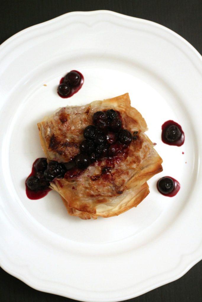 filetto-in-crosta-con-salsa-ai-mirtilli