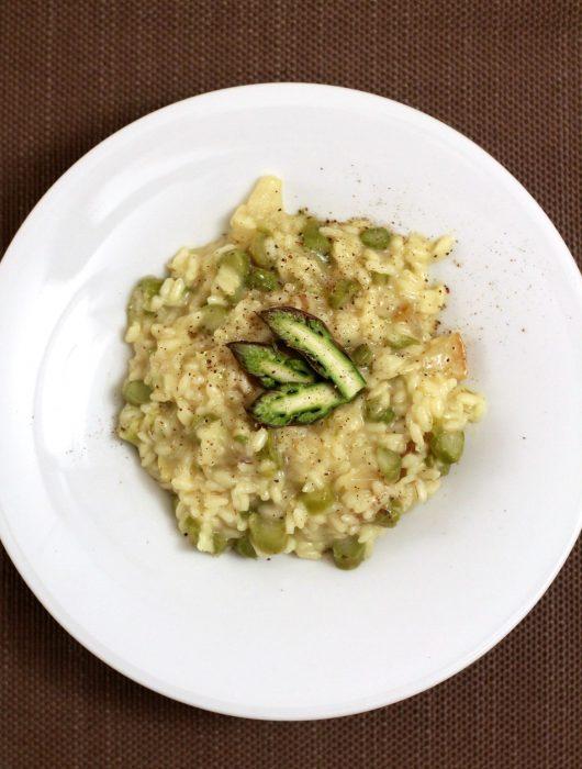 risotto-asparagi-pere-e-bitto-al-pepe