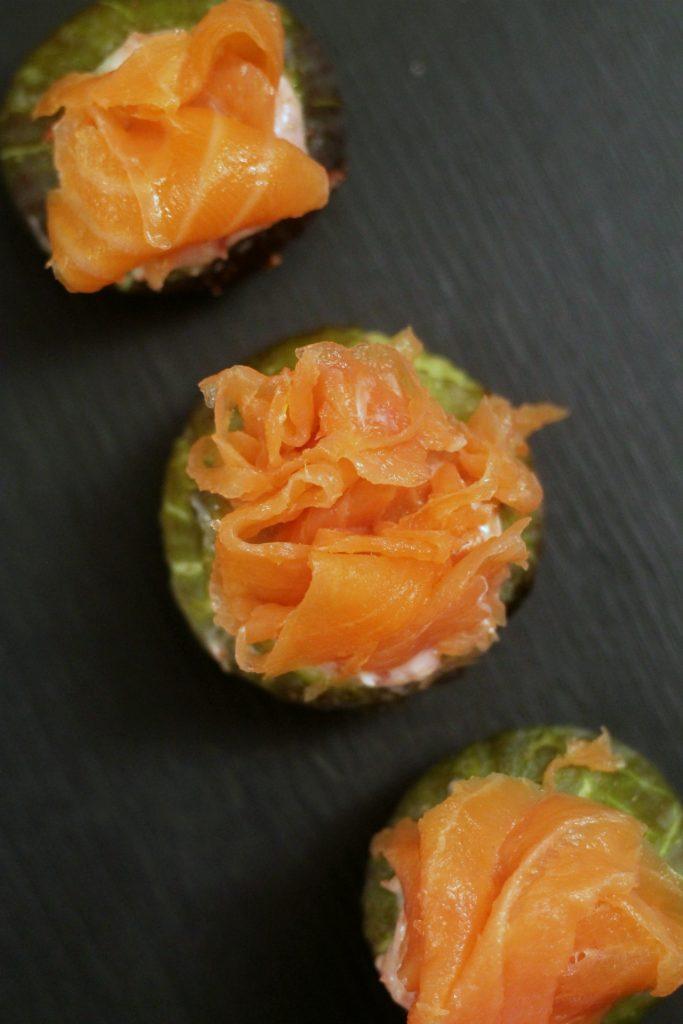 fichi-ripieni-di-formaggio-fresco-e-salmone-affumicato
