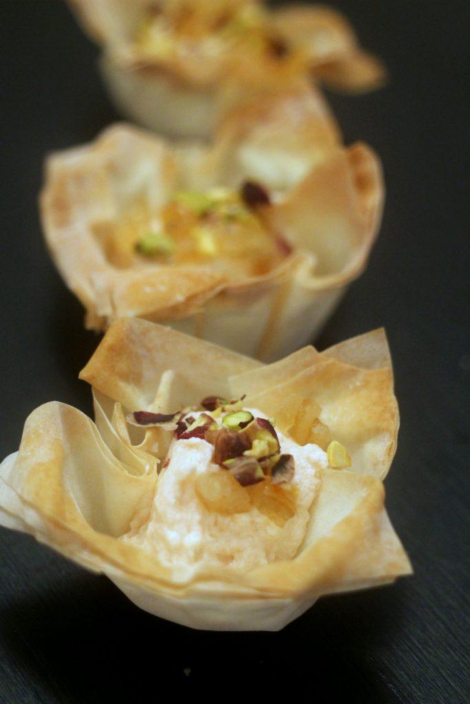 cestini-pasta-fillo-con-crema-di-ricotta-al-Campari-arancia-candita-e-pistacchi