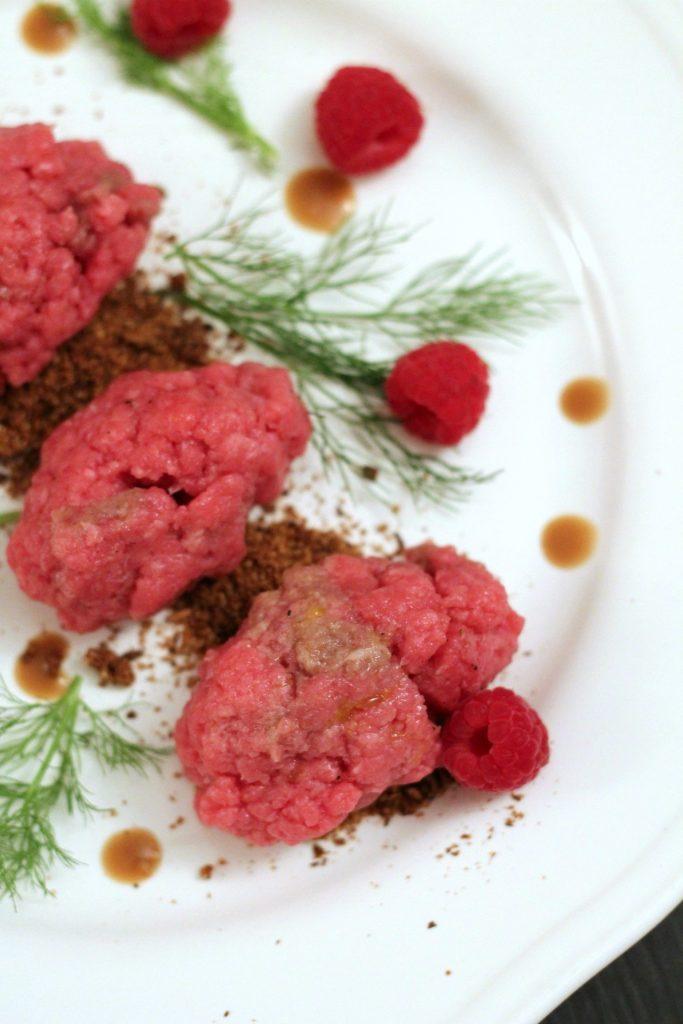 tartare-di-manzo-con-crumble-ai-funghi-porcini