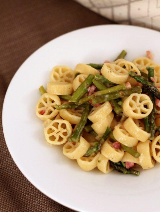 ruote-asparagi-pancetta-e-pecorino